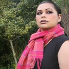 http://www.tweedvixen.co.uk/100-lambswool-scarf-304-p.asp
